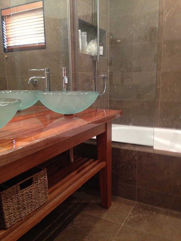 M & M Unsworth Heights Bathroom & Kitchen project photo